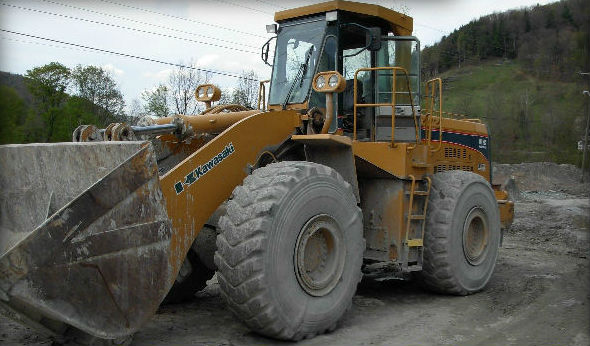 Typical rubber tired loader used for block handling