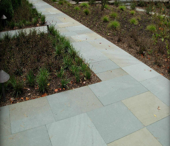 Variegated Thermal Finish Paving