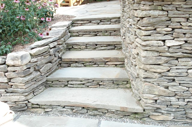 Regular Fieldstone Wall & Natural Edge Bluestone Landscape Steps