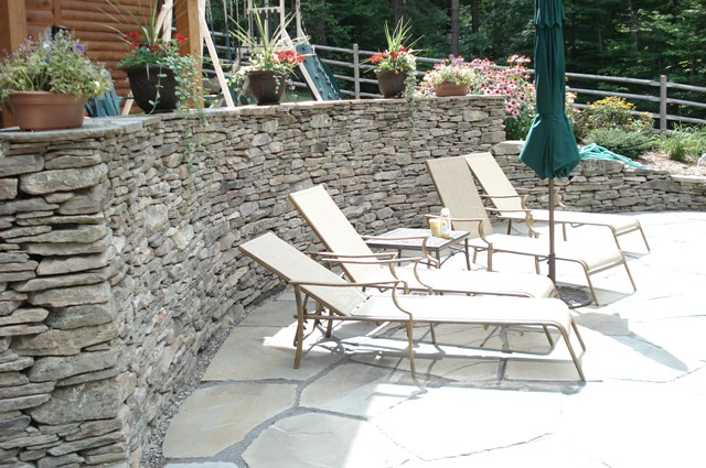 Regular Fieldstone Wall